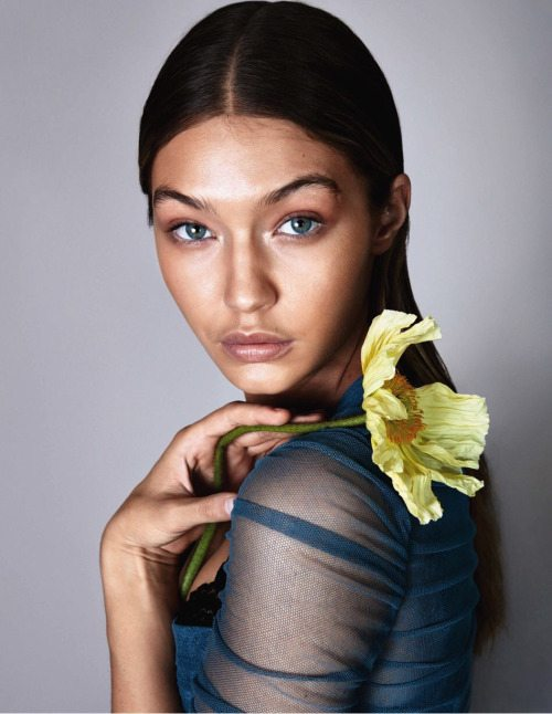 gigi-hadid-covers-may-2016-issue-of-german-vogue-and-shes-sehr-naturlich-very-natural