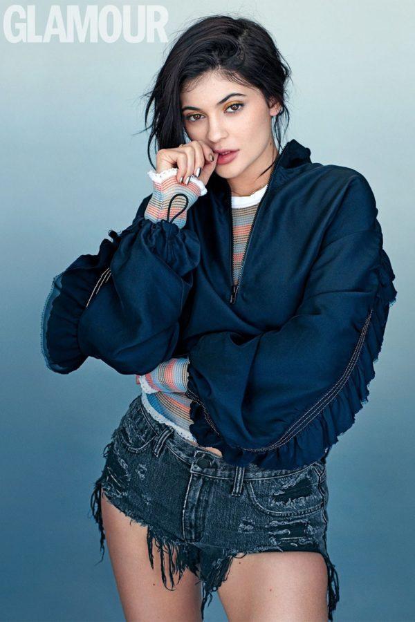 Kyle-Jenner-Glamour-UK-June-2016-Cover-April-2016