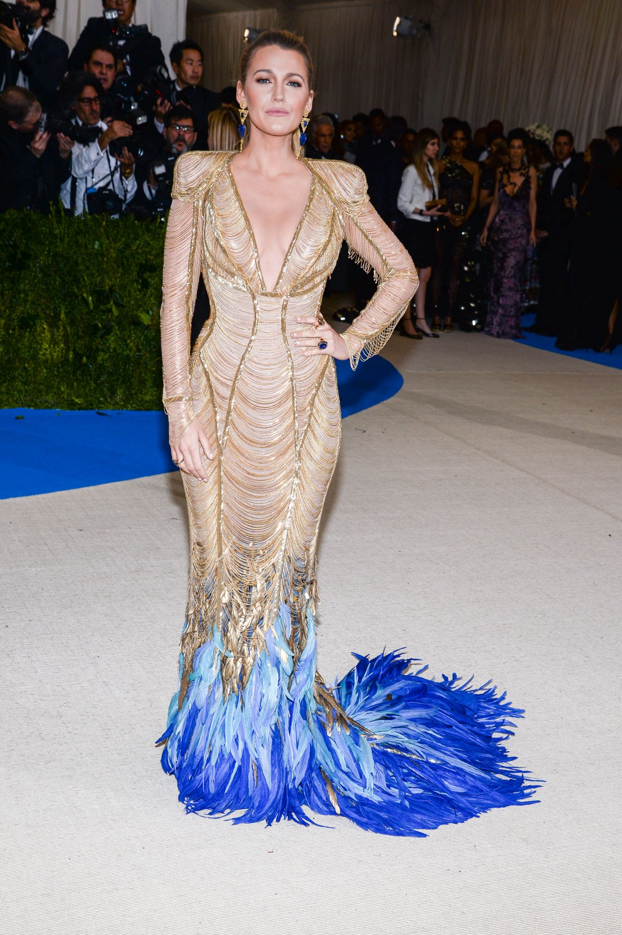 style-goddess-look-ever-evolving-ethereal-style-blake-lively