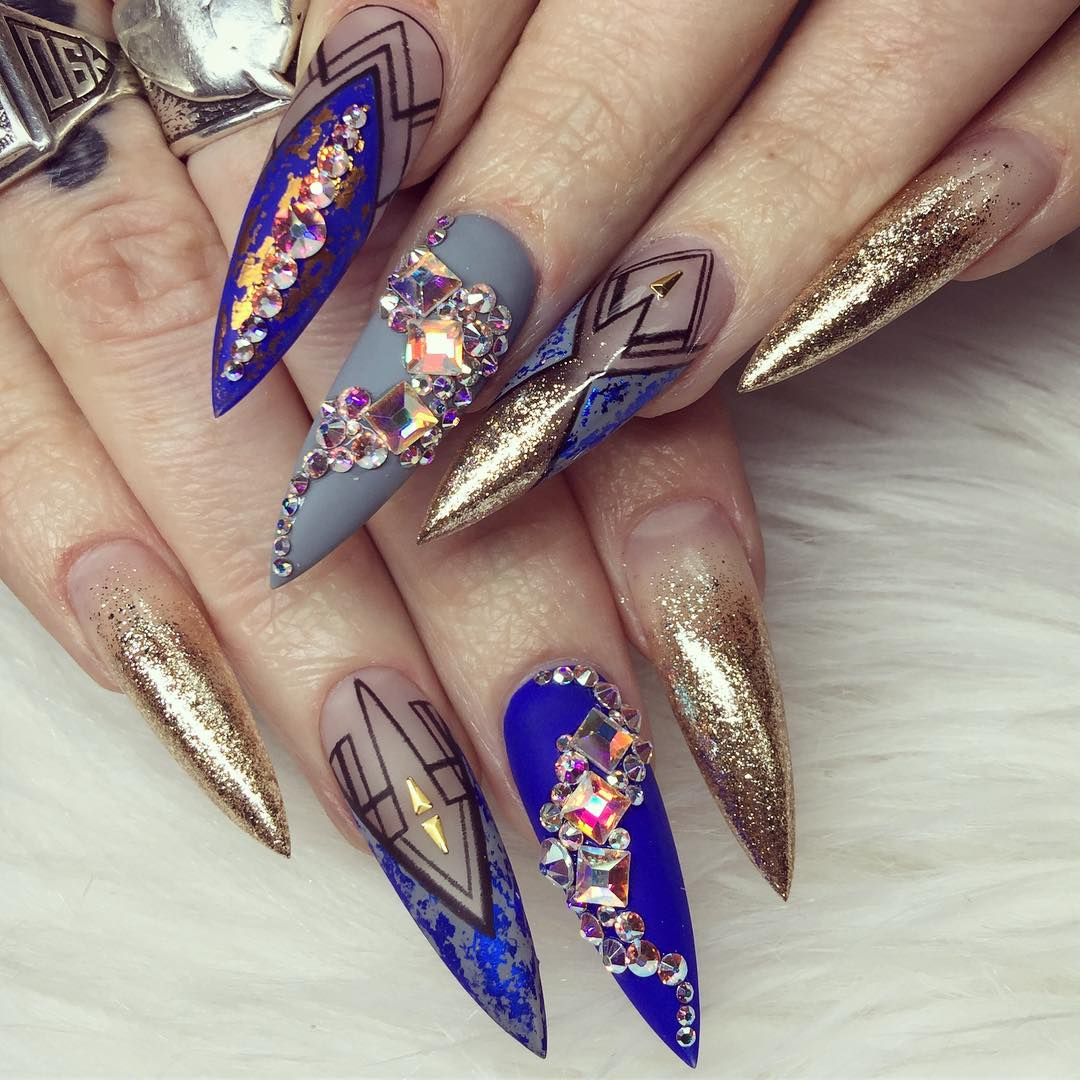 sculptured-nail-manicure-another-retro-thing-hit-millennials-sr-trends