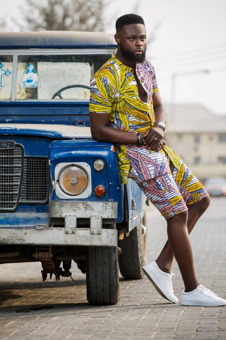 yomi-makun-yomi-casual-launches-beach-summer-wear-collection-celebrate-birthday-lookbook