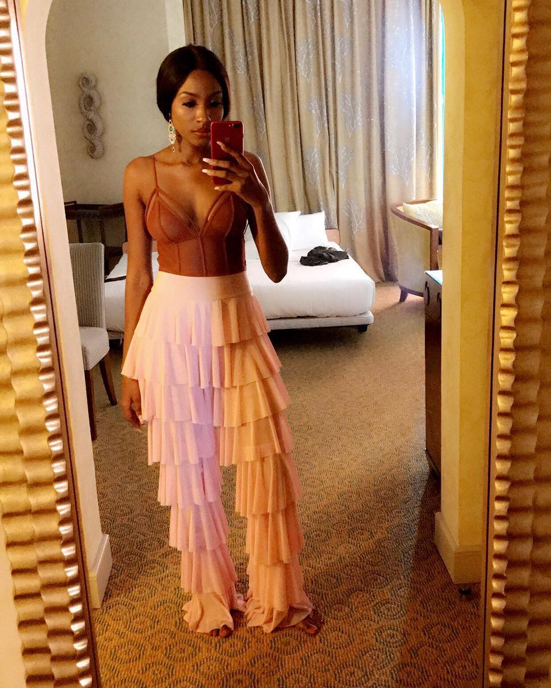 party-girl-style-with-ex-beauty-queen-ronke-tiamiyu-a-lookbook-of-sultry-sexy-party-outfit-ideas