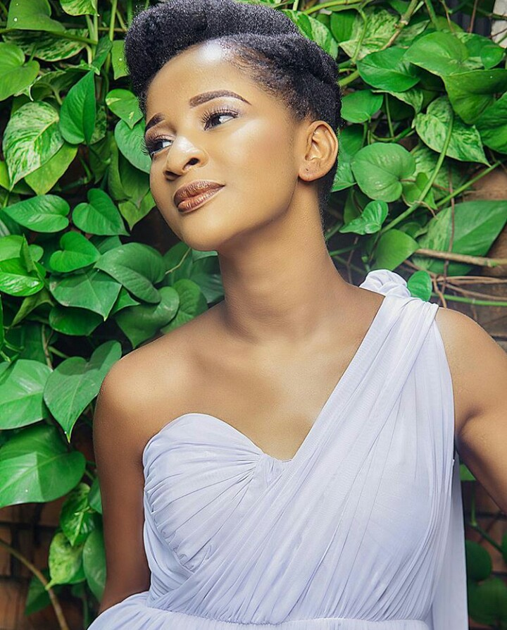 Adesua Etomi natural hairstyles