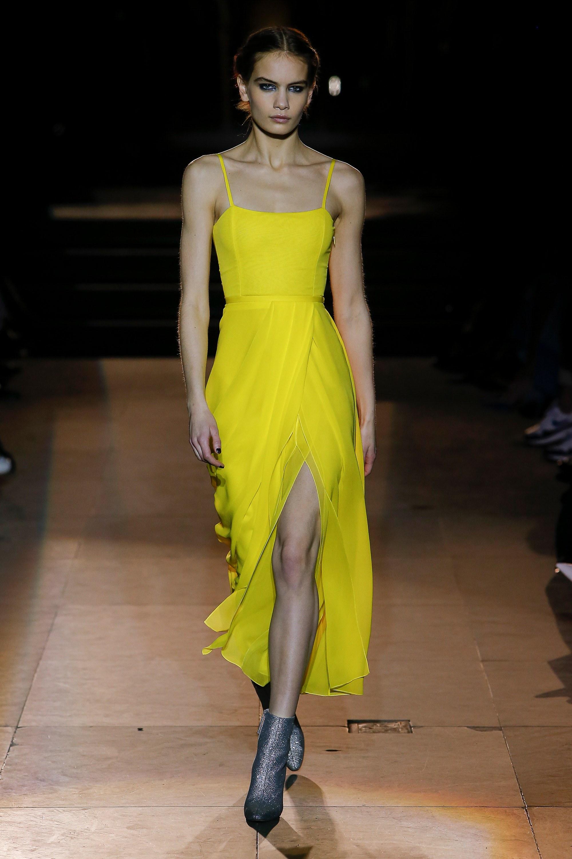 unimpeachable-grace-carolina-herrera-takes-final-bow-fall-2018-collection-new-york-fashion-week-2018