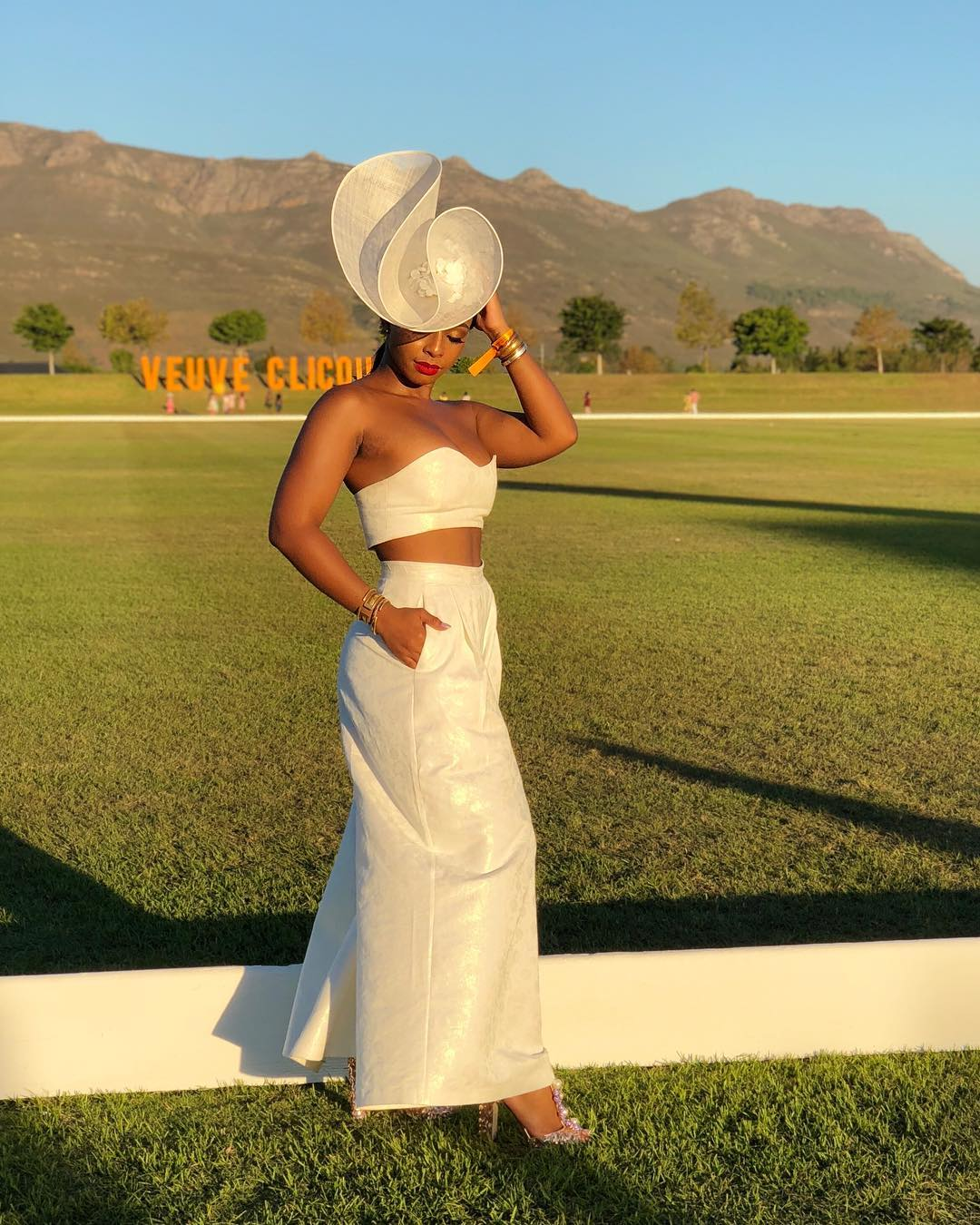 the-looks-that-stole-the-spotlight-at-the-2018-veuve-clicquot-masters-polo-in-cape-town