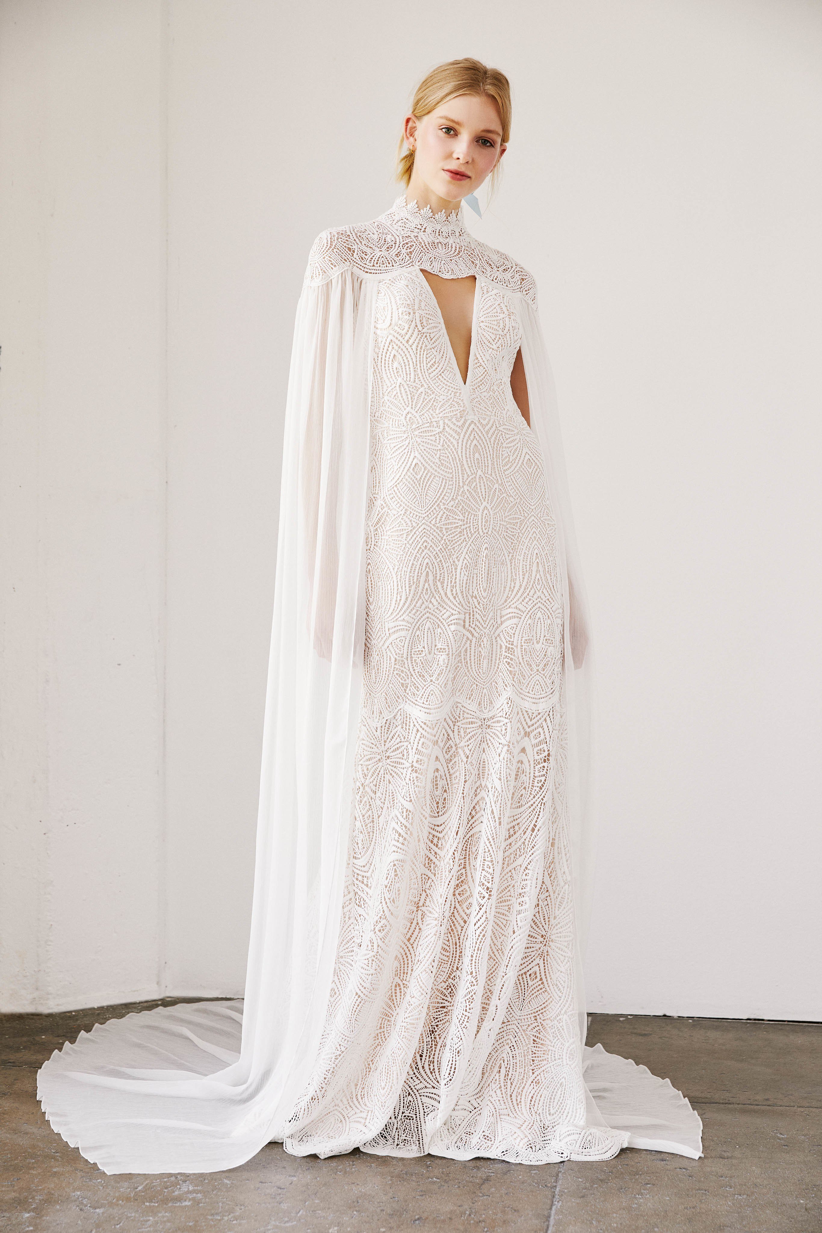 pure-elegance-tadashi-shojis-spring-2019-wedding-collection-is-a-must-see
