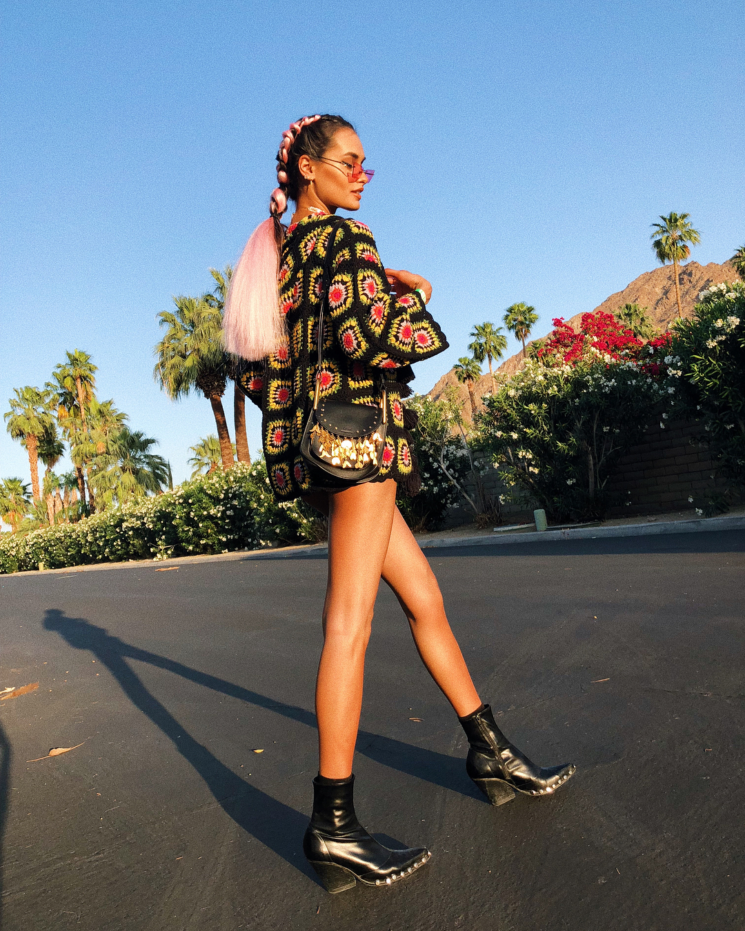 bad-girl-riri-kicked-off-coachella-2018-with-60s-vibe-fun-looks-from-other-celebs-and-influencers