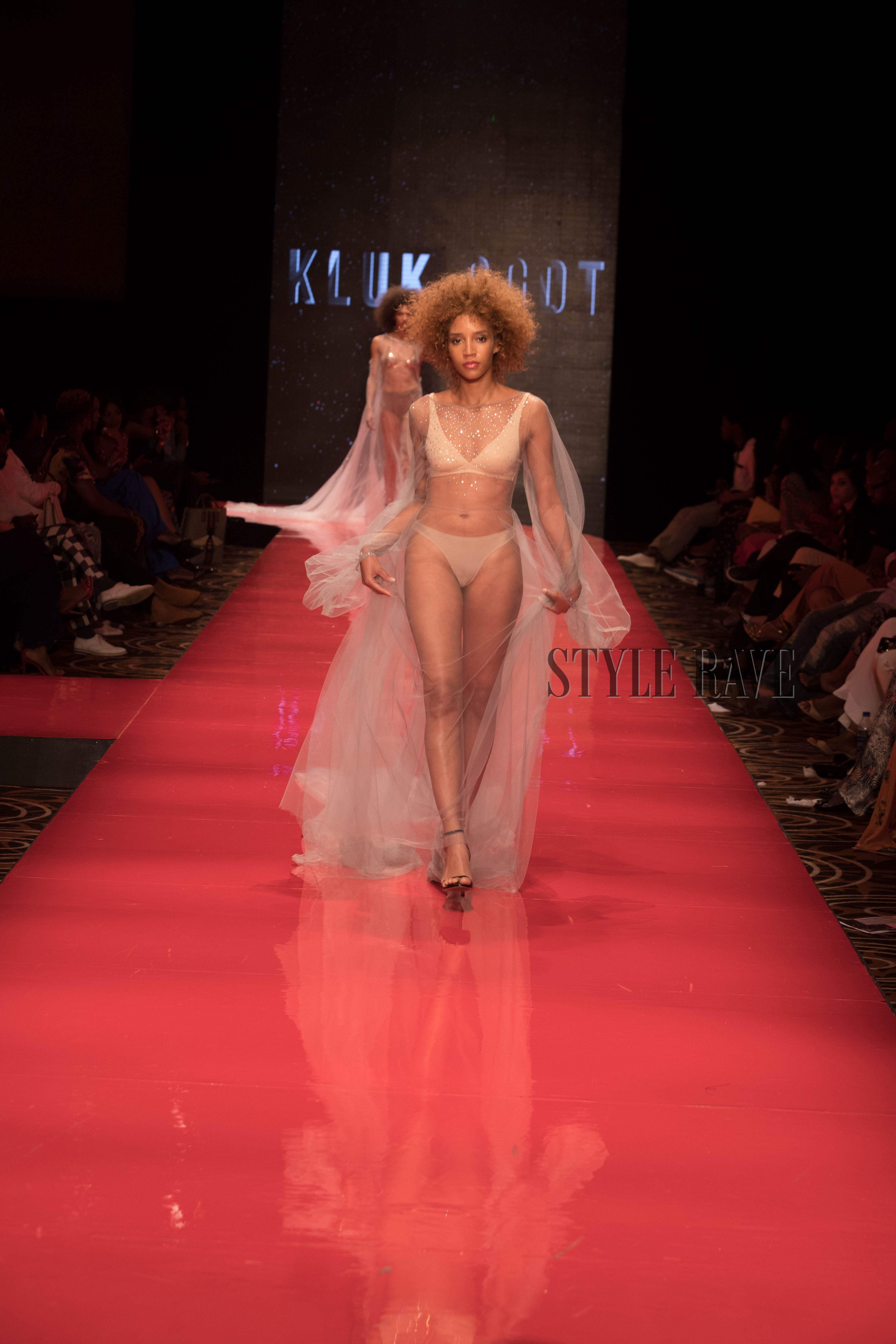arise-fashion-week-2018-kluk-cgdt-presents-a-luxurious-line-with-a-play-on-structure-details-and-sheer