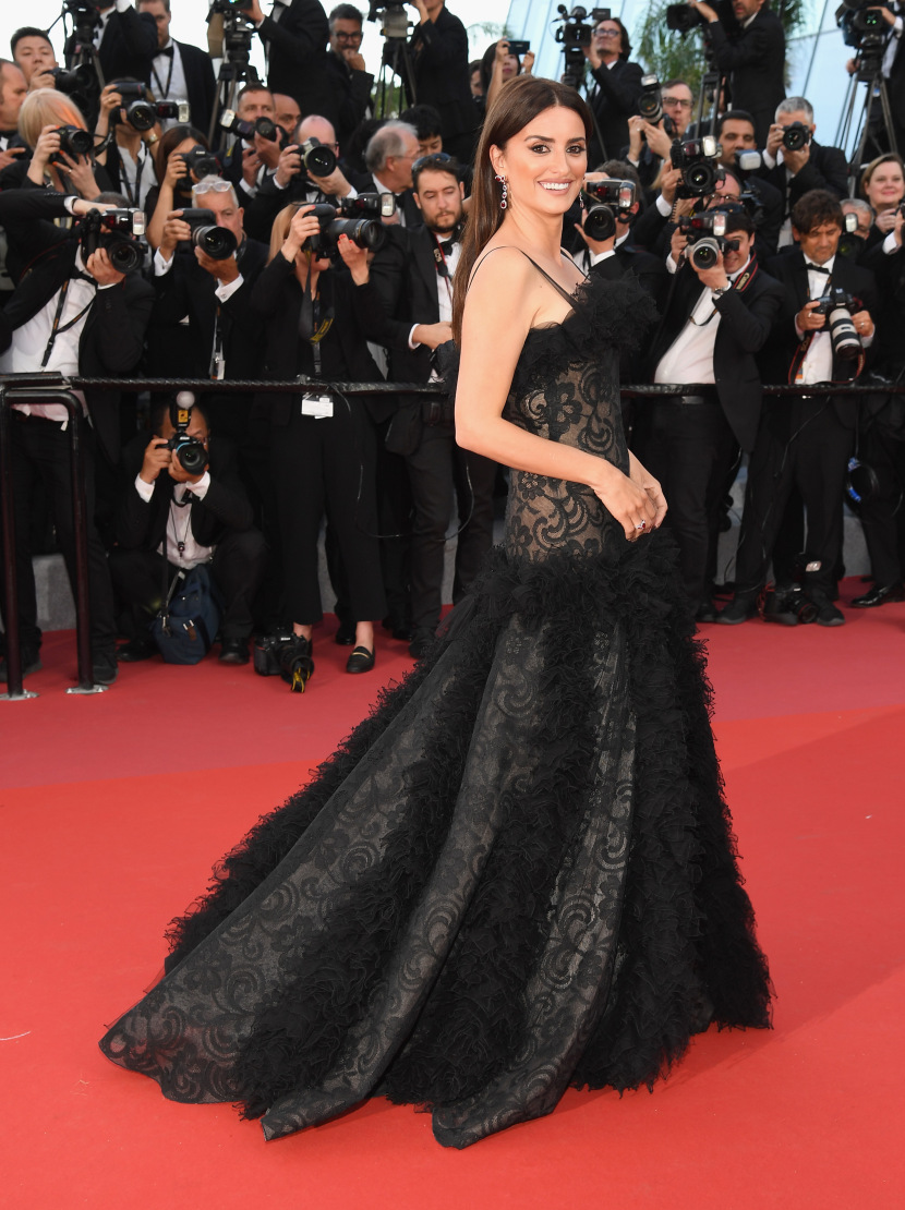 kendall-jenner-jasmine-tookes-and-hailey-baldwin-steal-the-show-at-the-2018-cannes-festival