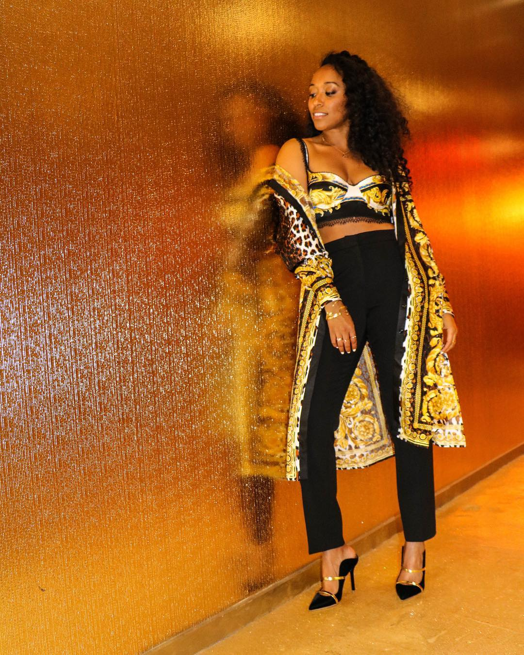Classy Chic! SHIONA TURINI Is Definitely The Queen Of Crop Tops