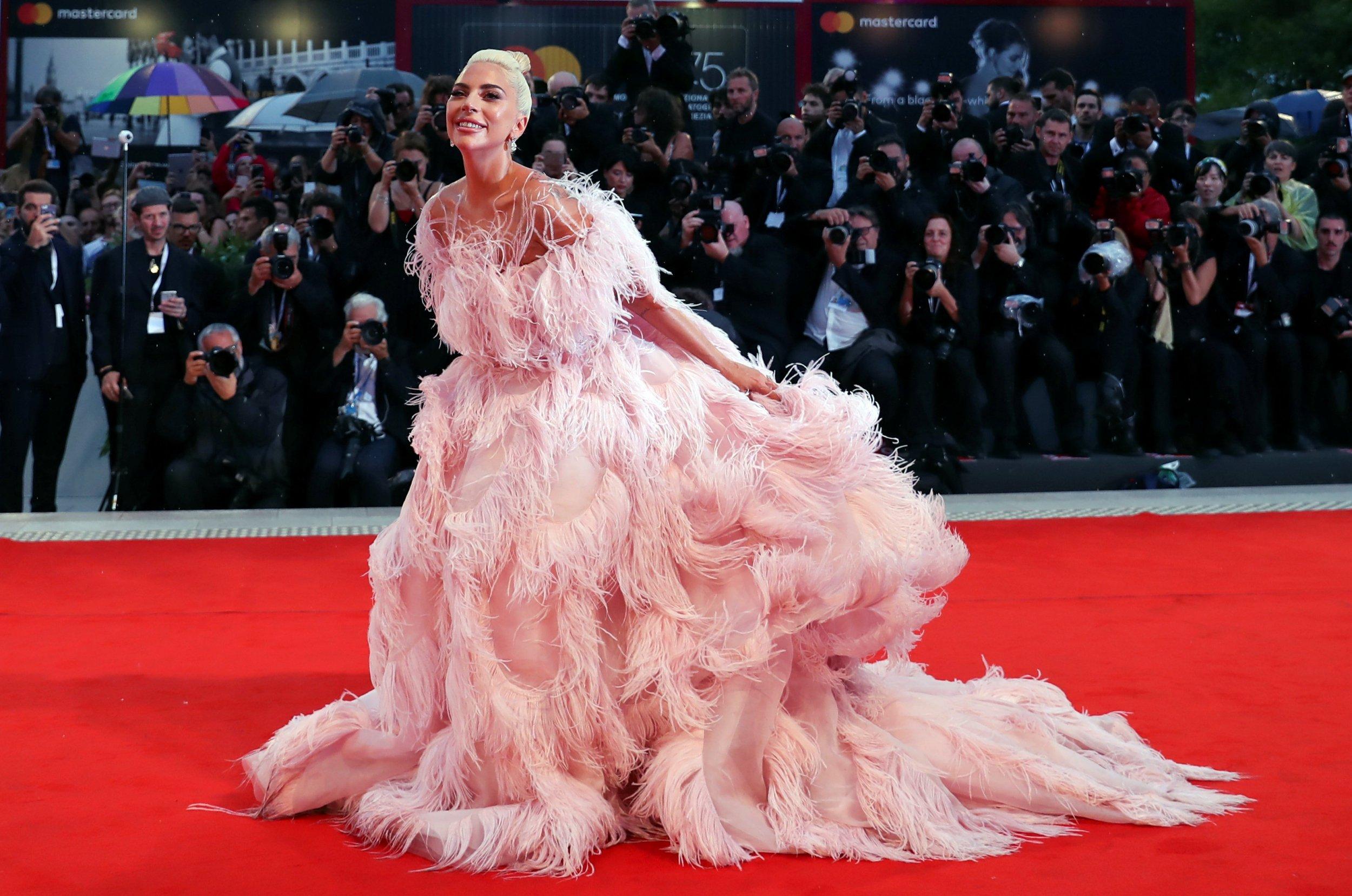 lady-gaga-red-carpet-style-rave.jpg