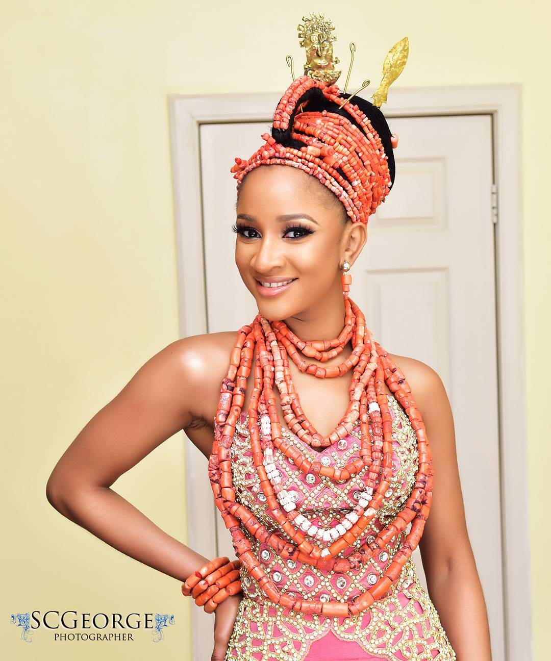 adesua-etomi-wellington-5-ways-to-incorporate-pantones-2019-colour-of-the-year-living-coral-into-your-looks