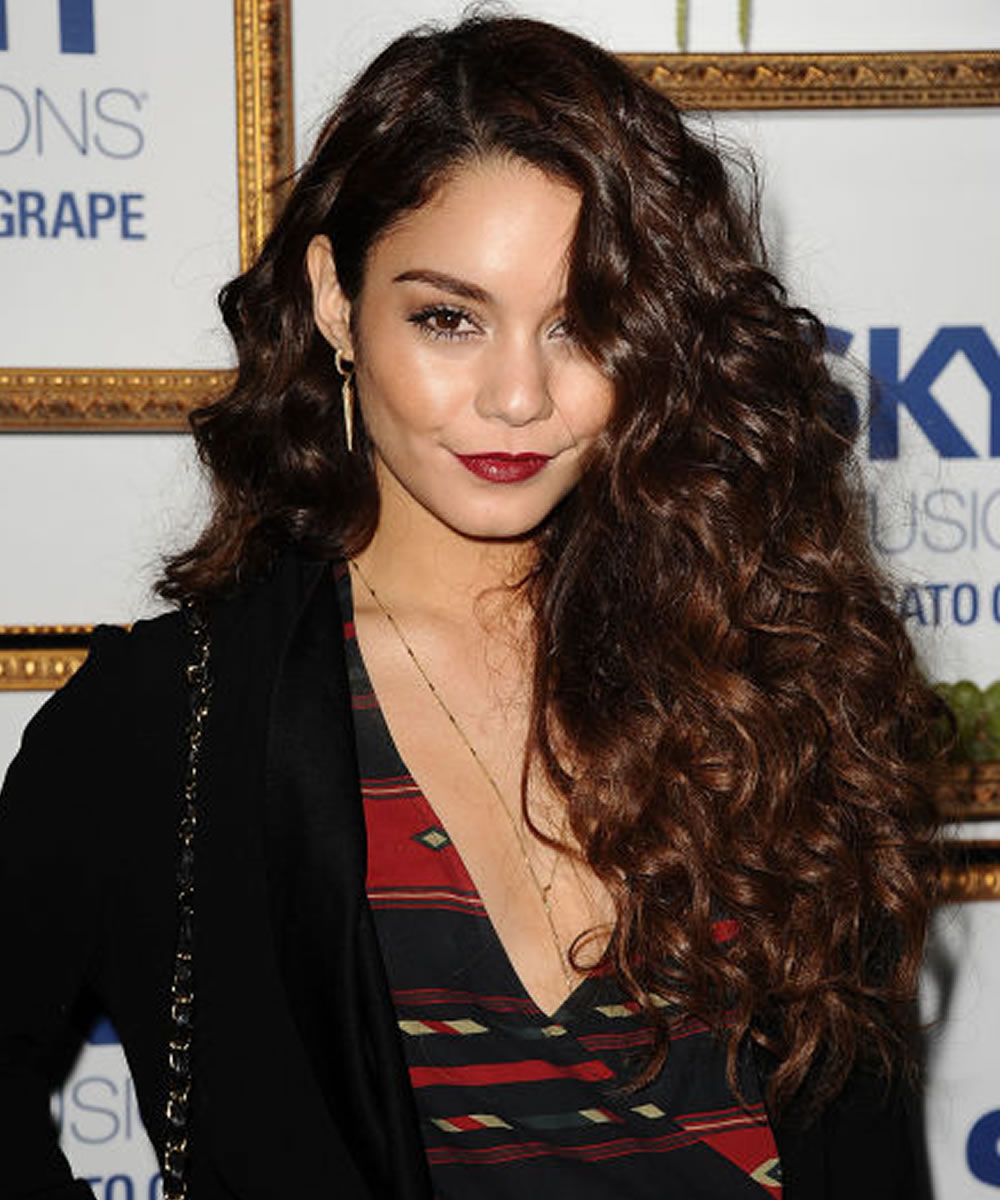 7 Curly Hairstyles To Spice Things Up A Look For Every Woman