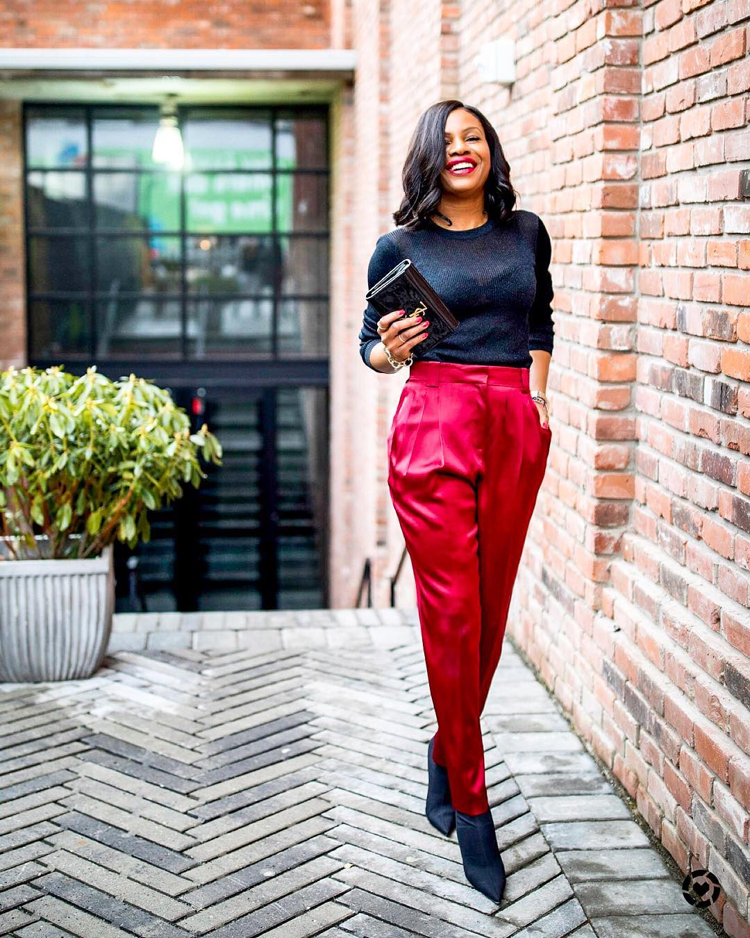 rave-worthy-ways-to-rock-red-black-and-red-outfits