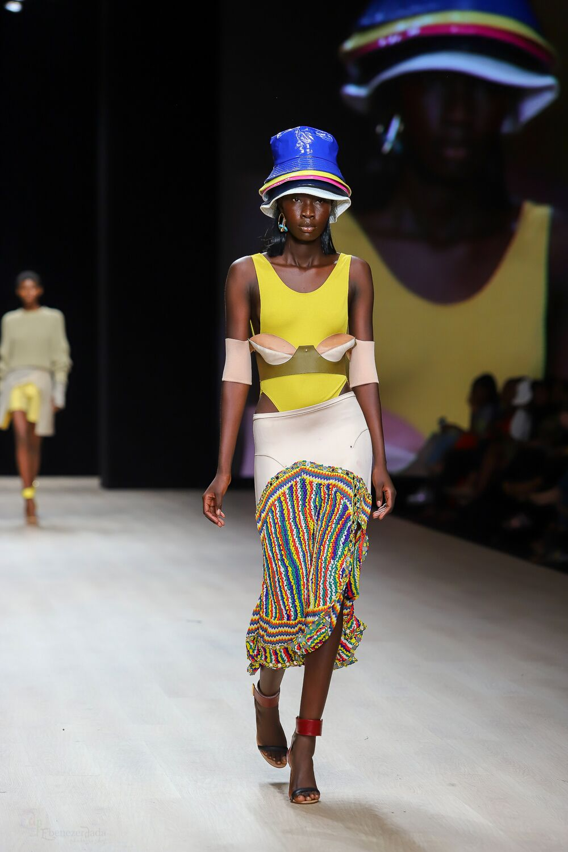 arise-fashion-week-2019-esteban-cortazar-unveiled-sleek-yet-expressive-fashion