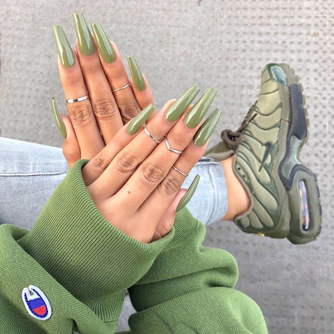 sherlina-nym-olive-neon-nails-manicure-2