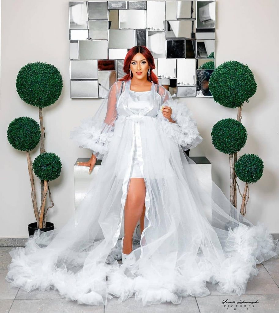 bridal-robe-celebrity-slippers