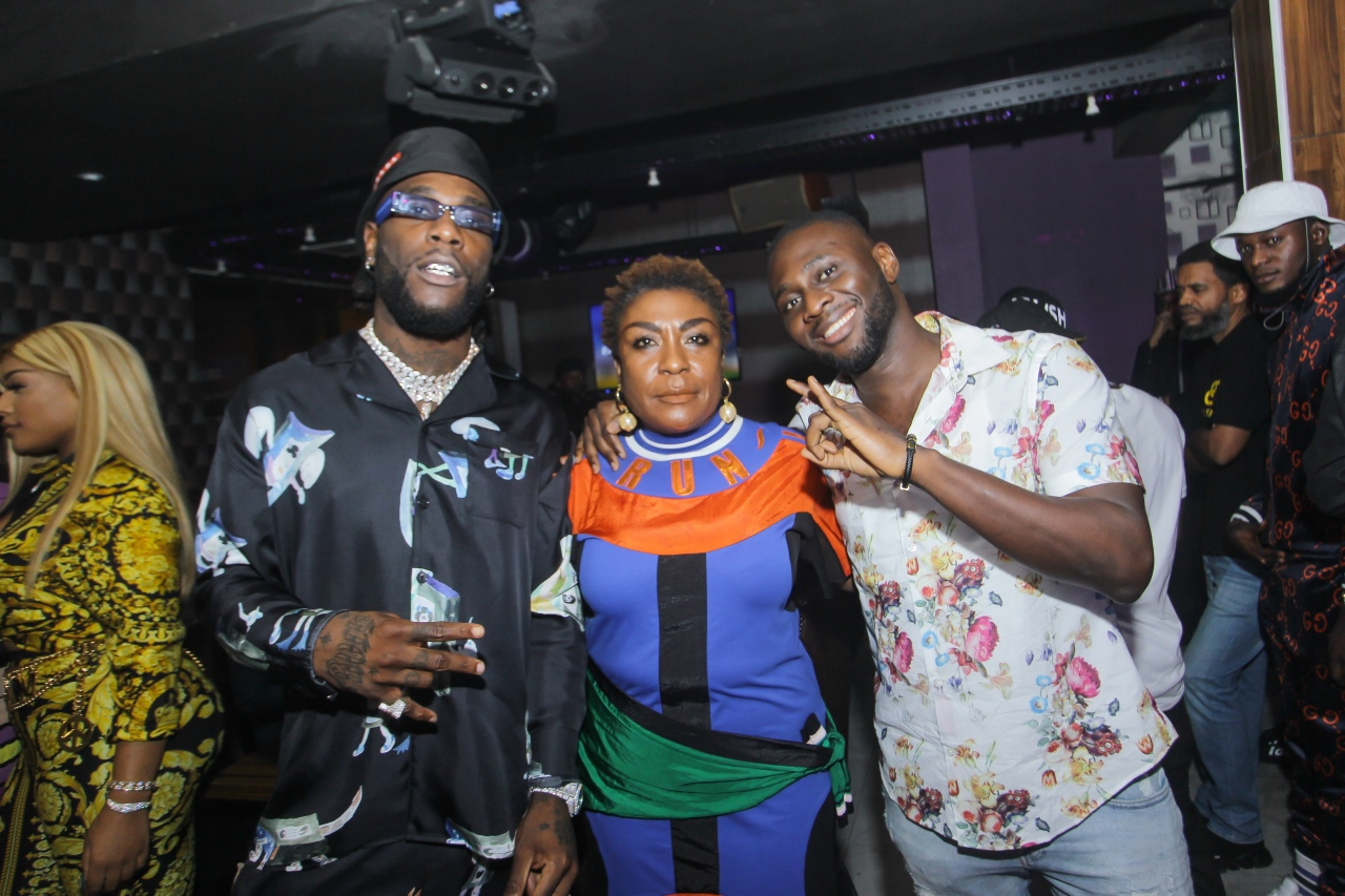 burna-boy-birthday-mother-surprise-bet