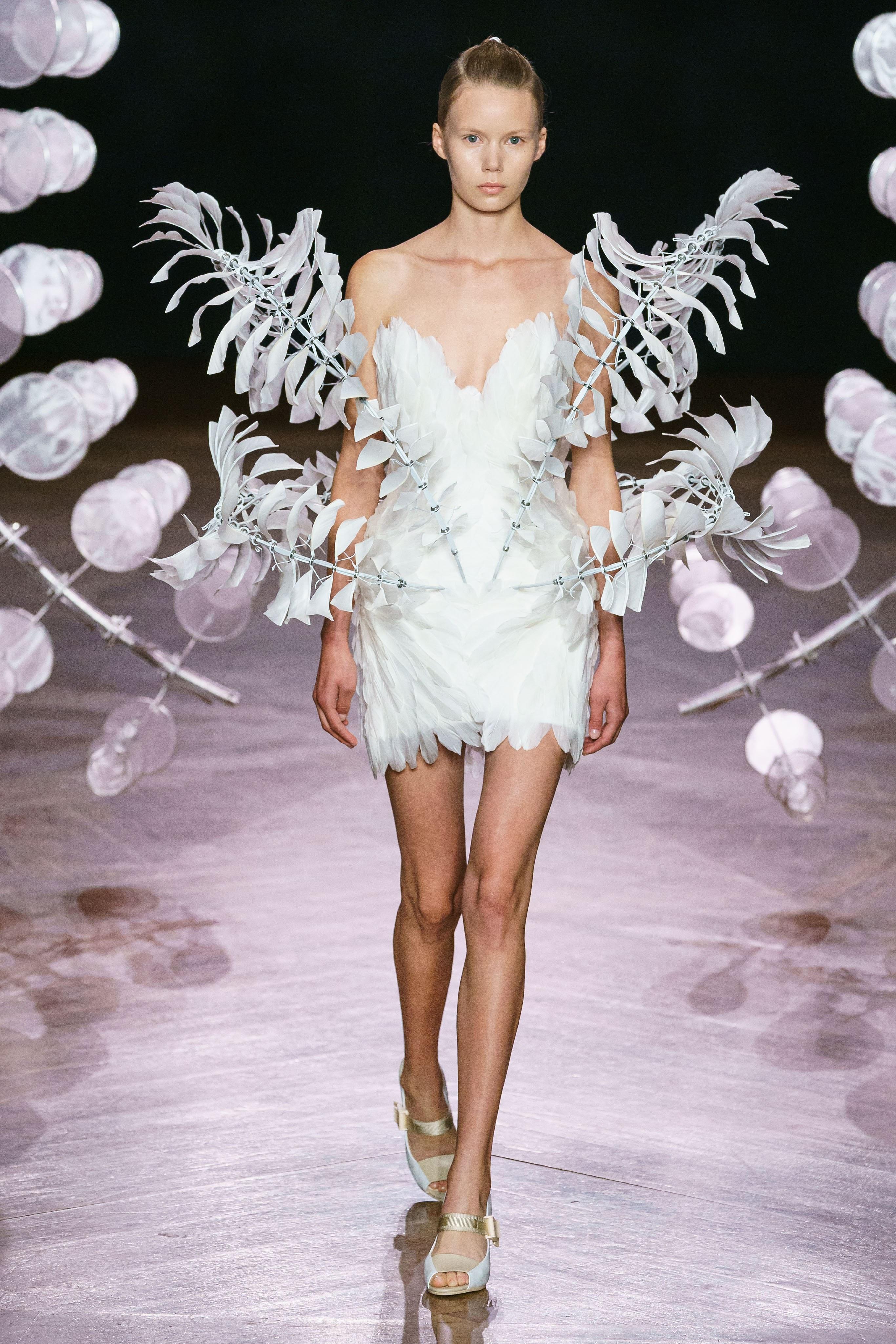 iris-van-herpen-fall-2019-couture