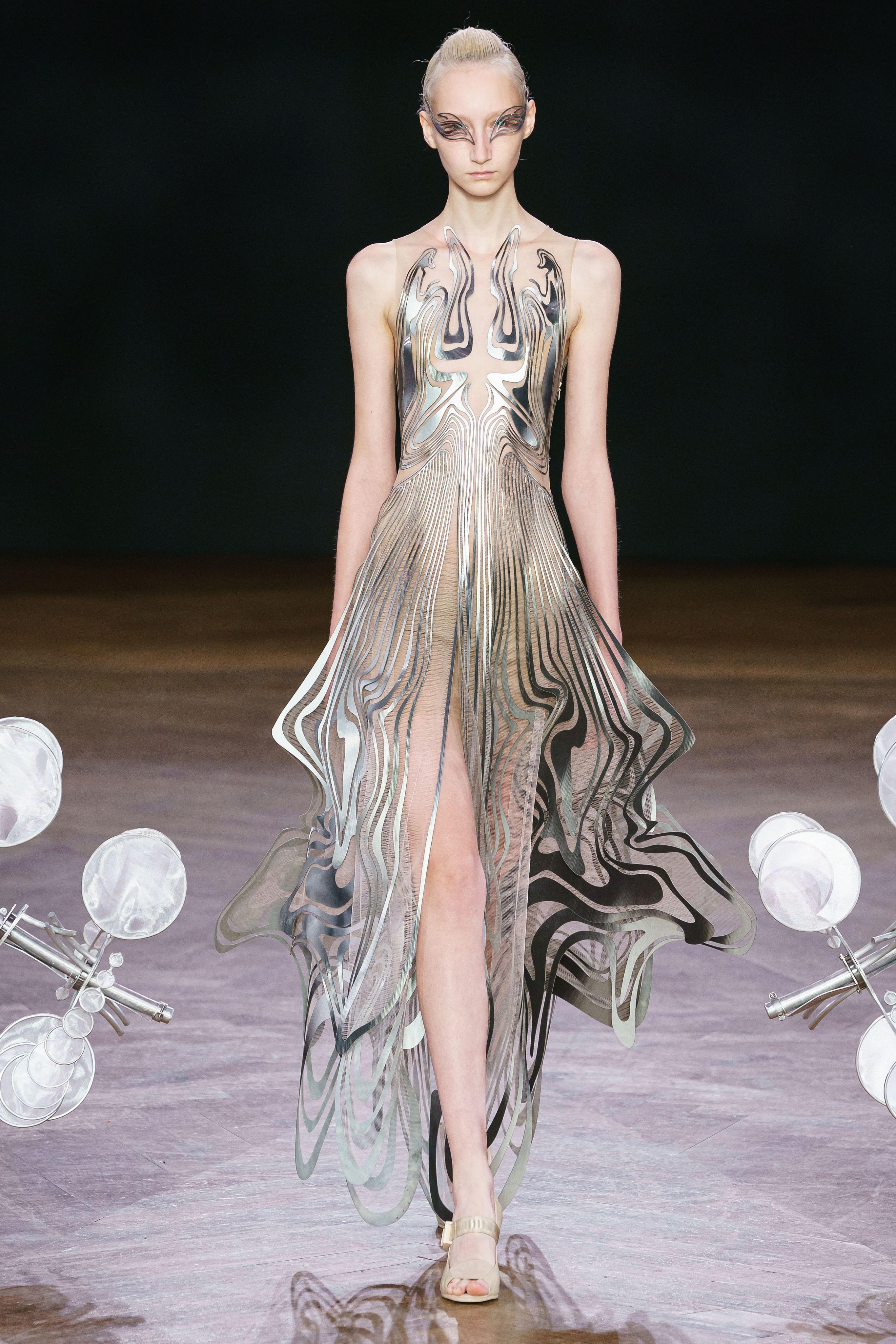 iris-van-herpen-AW19-couture