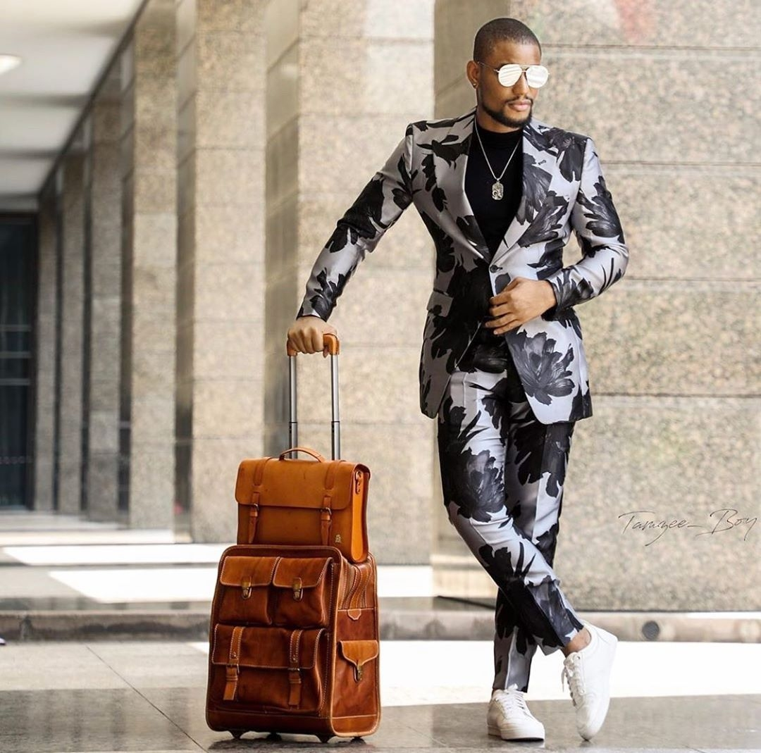Alex-ekubo-Nigerian-male-celebrities-relaxed-suits-style-slay-style-rave
