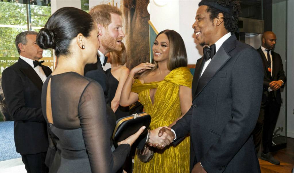 beyonce-cong-tri-yellow-gold-gown-met-meghan-markle-lion king-london