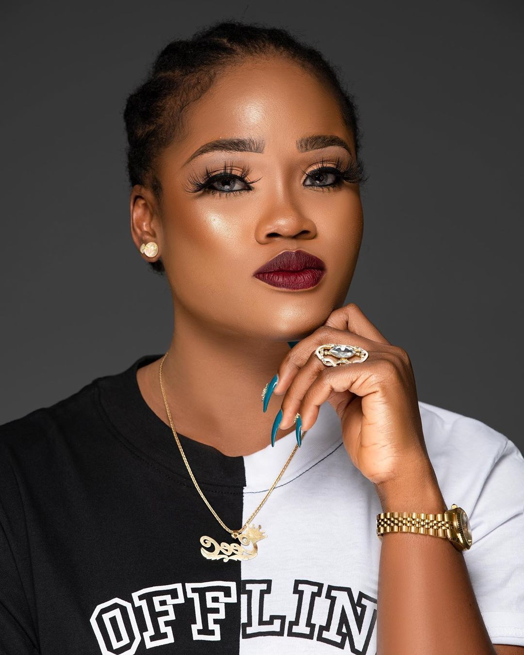 red-lippie-with fluffy-lashes-face-beat-of-cee-c-style-rave