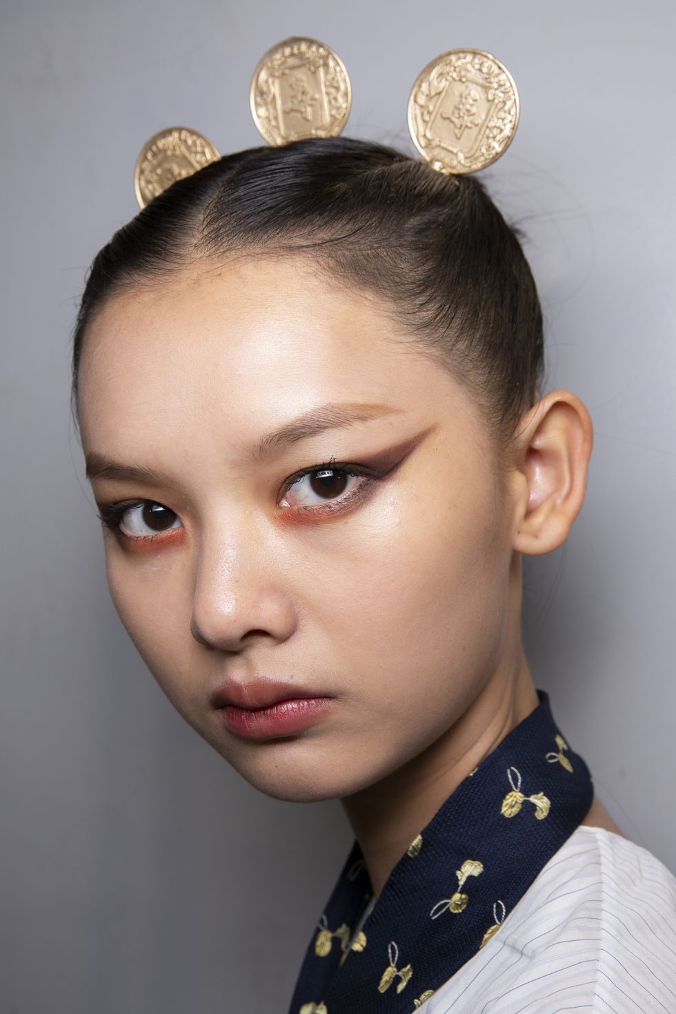 Elie Saab- Exaggeratted-winged-liner-avant-garde- Style Rave