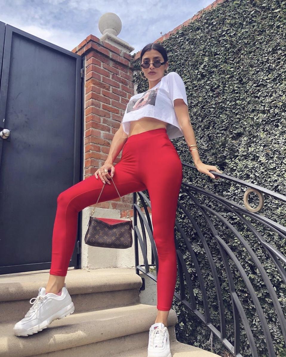 nicole-williams-english-red-leggins-white-croptop-stylerave