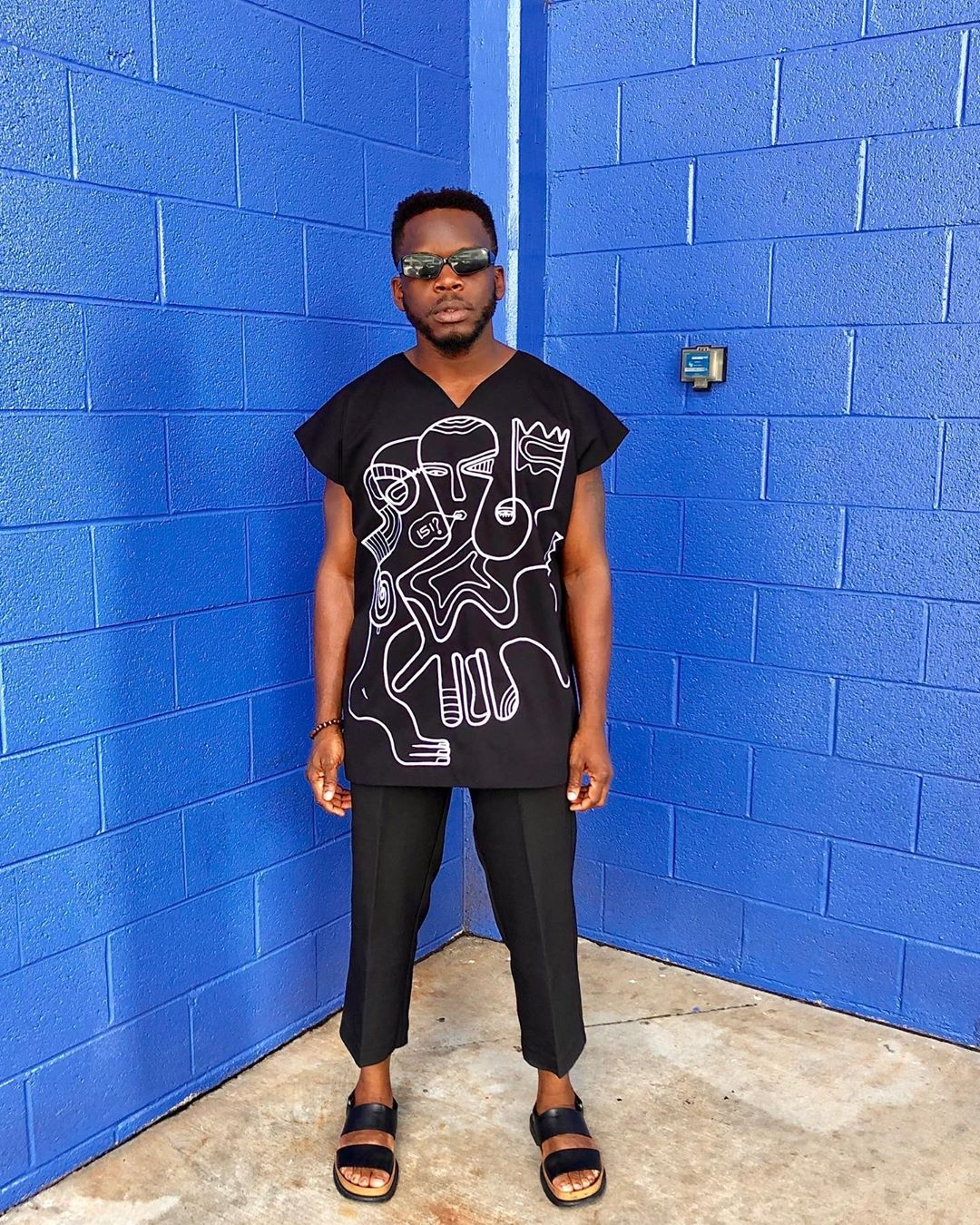 unconventional-male-celebrities-moses-ebite-style-rave