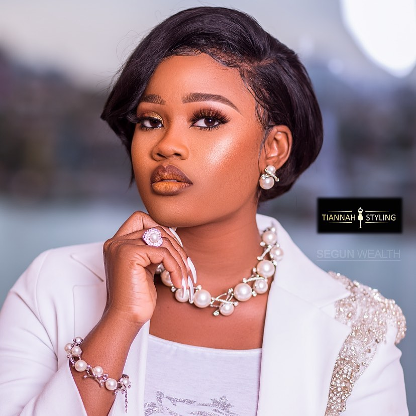 subtle-face-glam-of-cee-c-style-rave