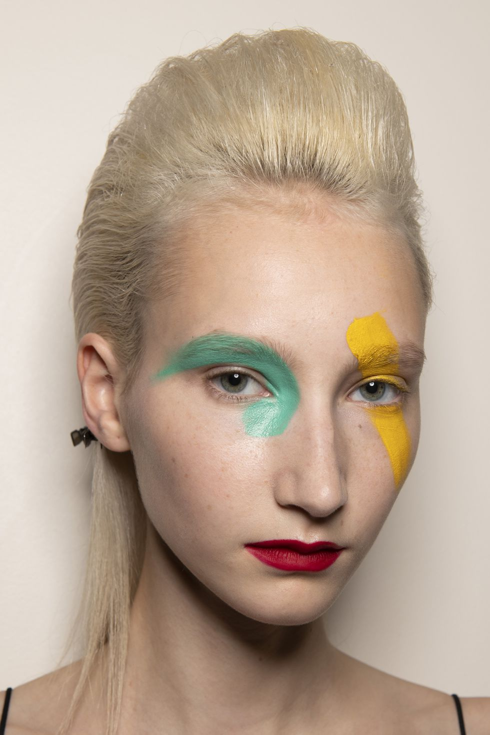Ronald-Van-Der-Kemp-Paris-avant-garde-Fashion-Red-lips-Style-Rave