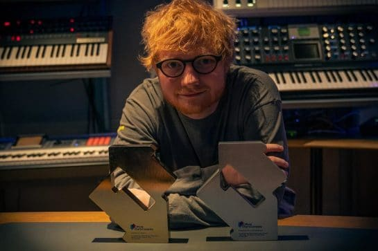 ed-sheeran-announces-break-us-imposes-new-visa-fee-roger-federer-victorious-style-rave