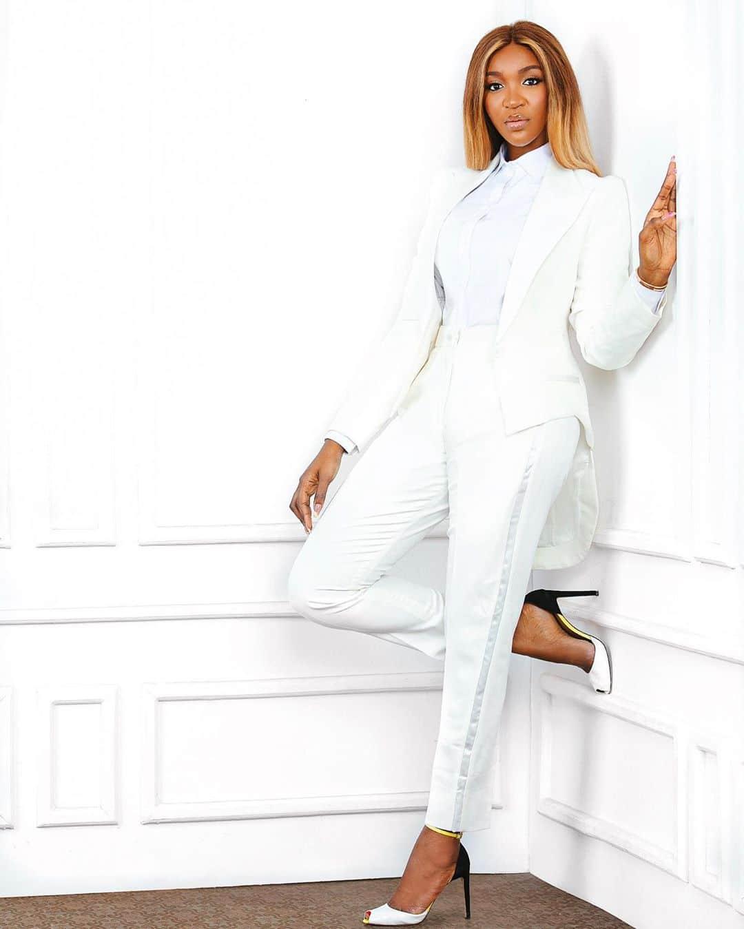 Idia-aisien-white-pant-suit