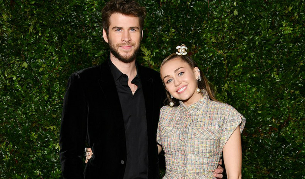 singer-miley-cyrus-and-australian-actor-liam-hemsworth-style-rave