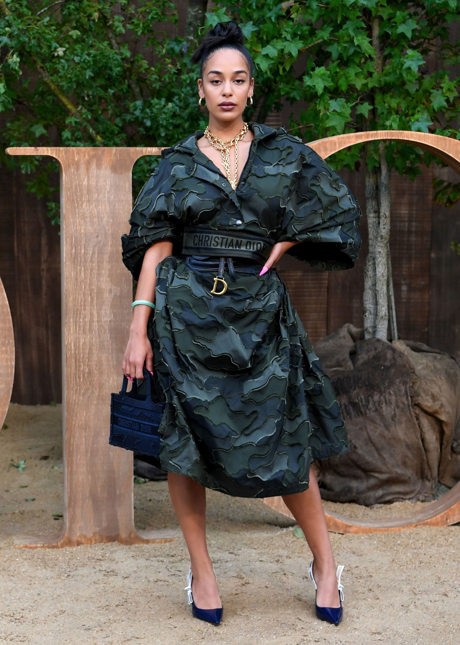 jorja-smith-fashionable-celebrities-looks-around-the-globe