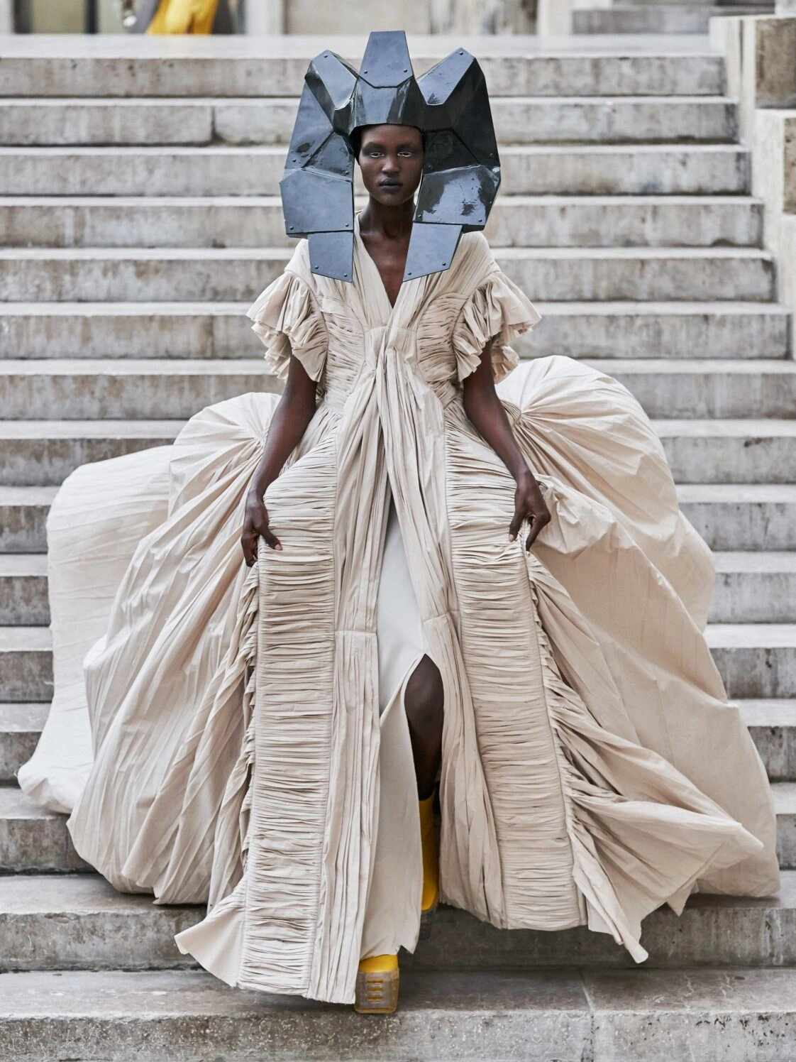 rick-owens-pfw-ss20-the-most-rave-worthy-designs-from-the-runways-style-rave