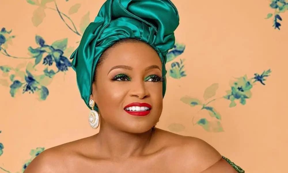 emelia-jane-adenuga-nigerian-independence-shoot-2019-oyin-style-rave-fashion