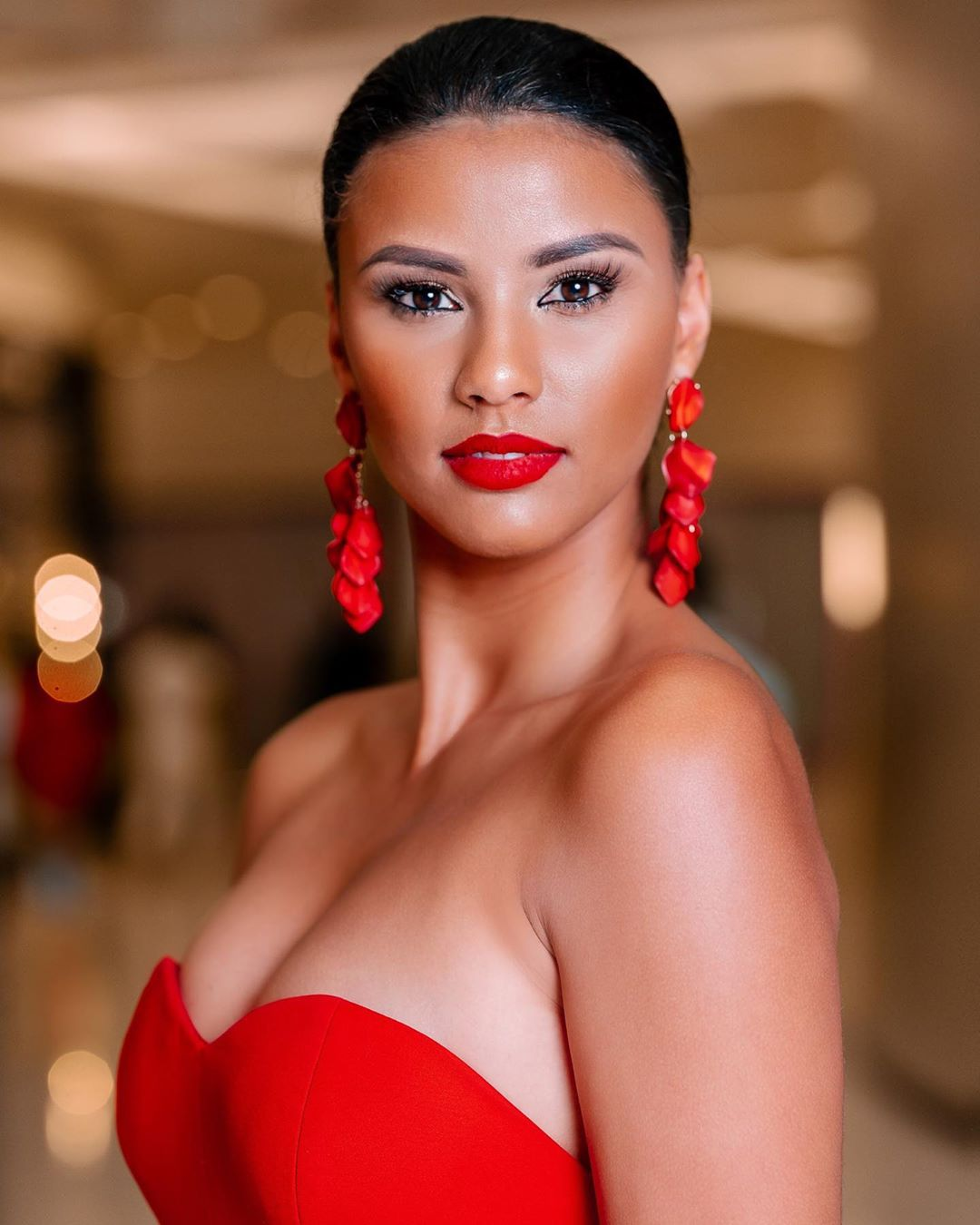 classic-red-lip-look-gorgeous-face-beat-miss-south-africa