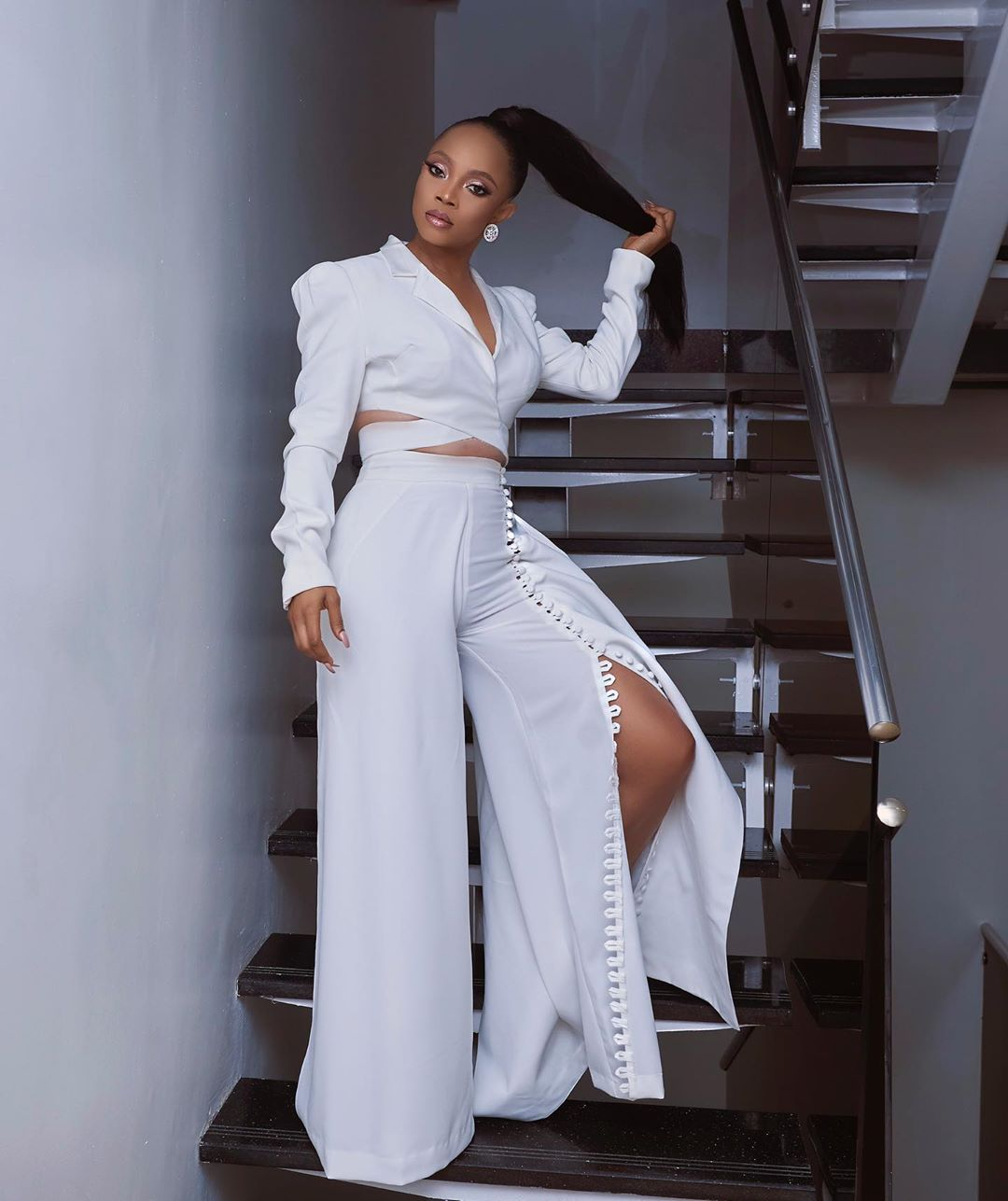 toke-makinwa-style-temple-all-white-outfit-top-nigerian-women