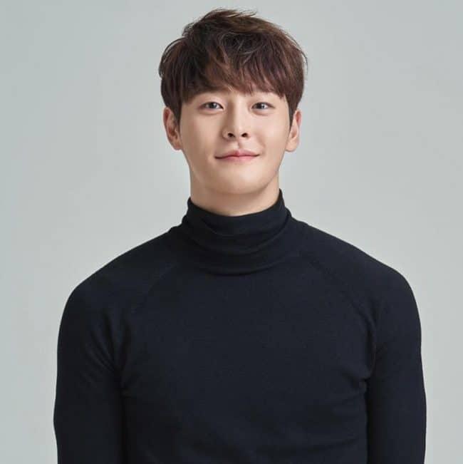 korean-actor-cha-in-ha-dead-atiku-sues-buhari-aide-arsene-wenger-var-latest-news-global-world-stories-tuesday-december-2019-style-rave
