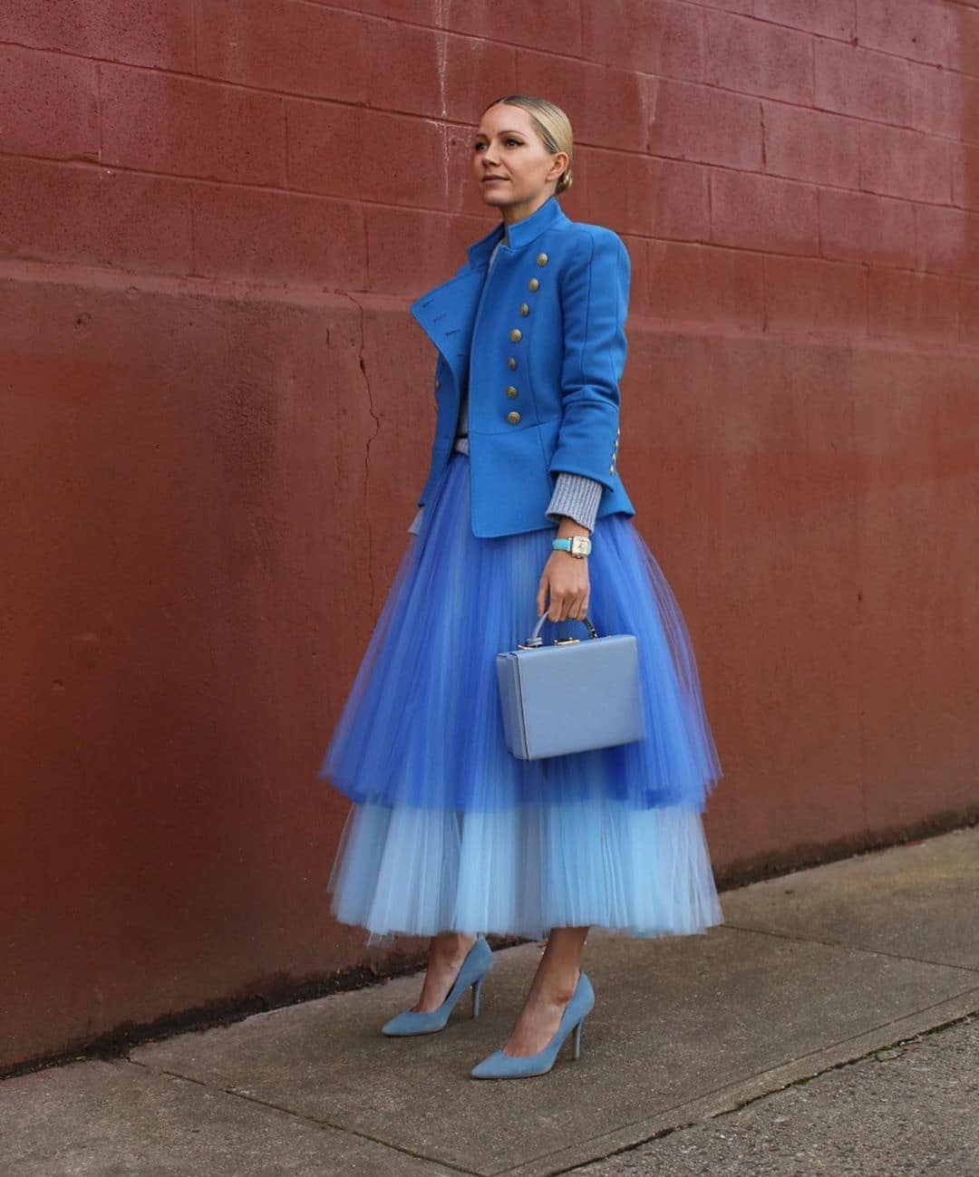 blair-eadie-bee-how-to-wear-blue-with-style-pantone-colour-of-the-year-2020
