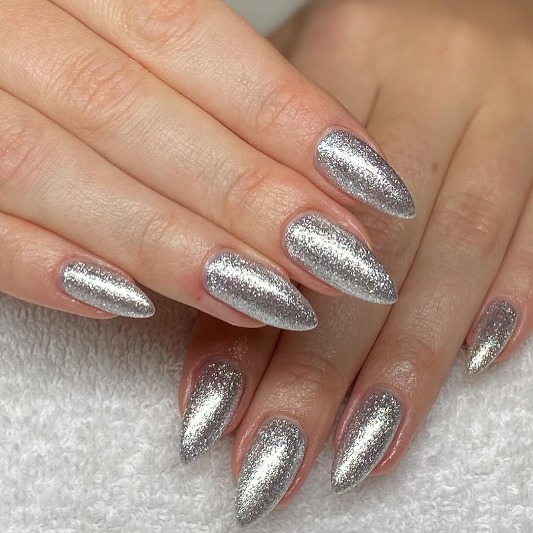 silver-bling-christmas-nail-manicure-style-rave