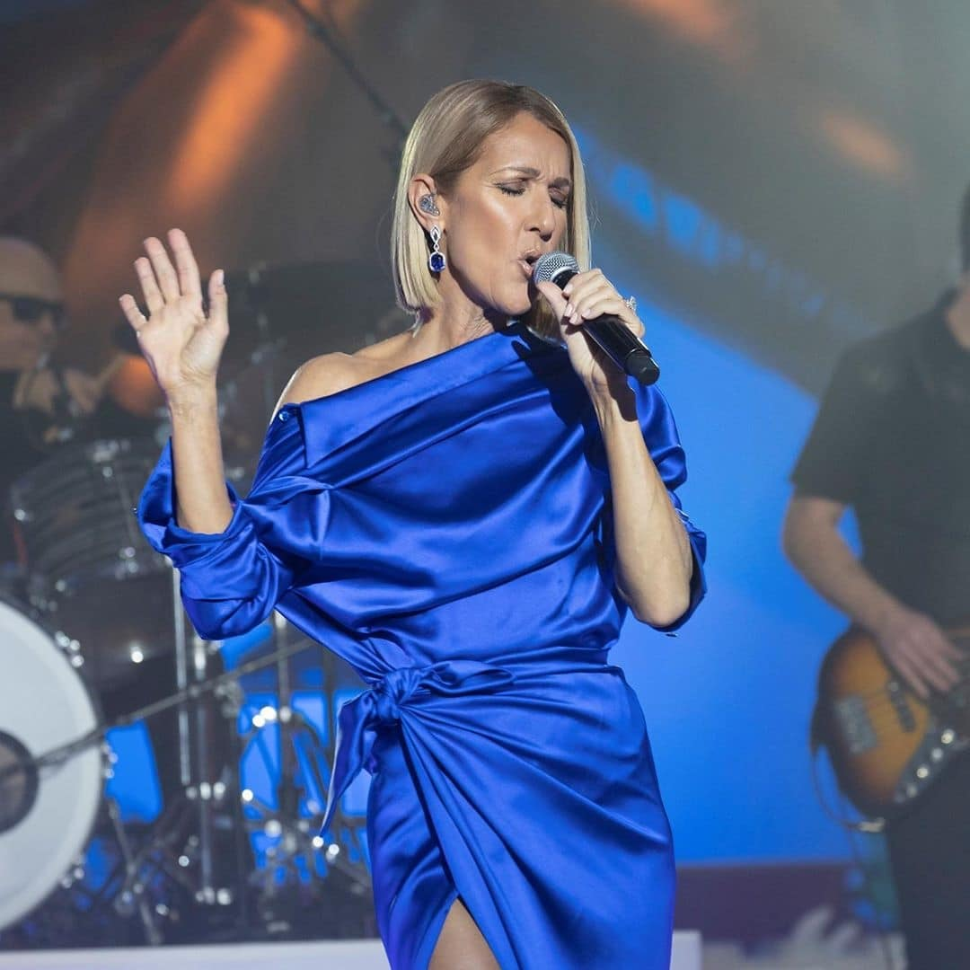 celine-dion-how-to-wear-blue-with-style-pantone-colour-of-the-year-2020