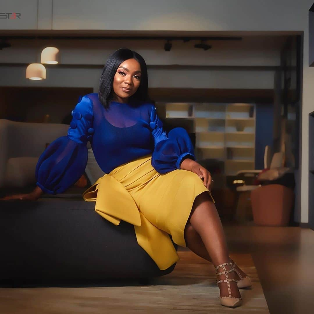 chioma-akpotha-how-to-wear-blue-with-style