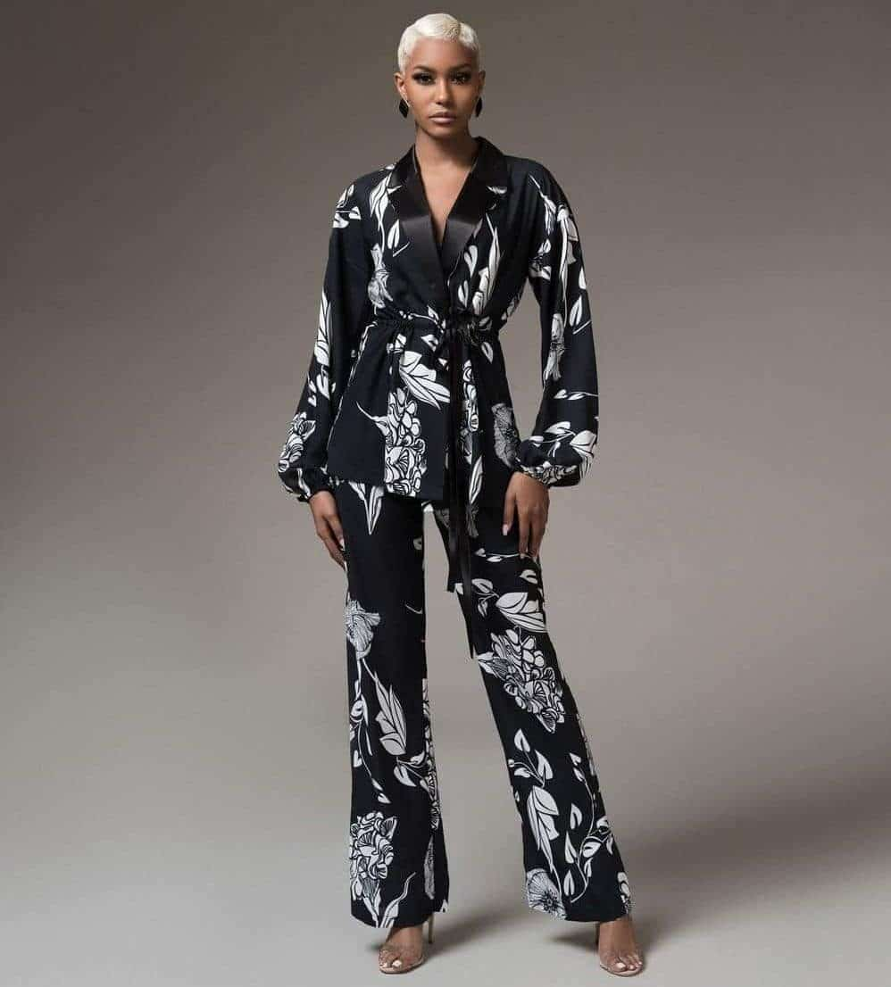 Amara Black and White Set For Fall Winter Spring Summer