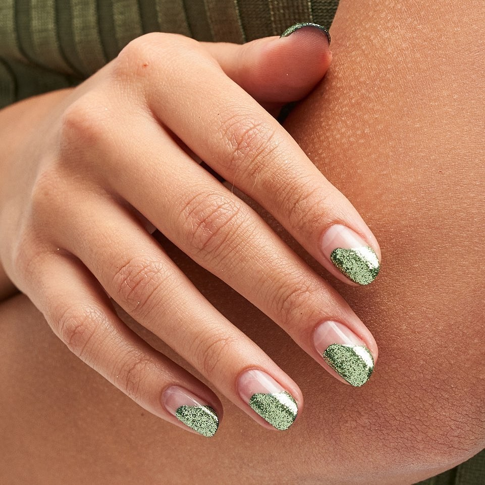 negative-space-green-glitter-style-rave