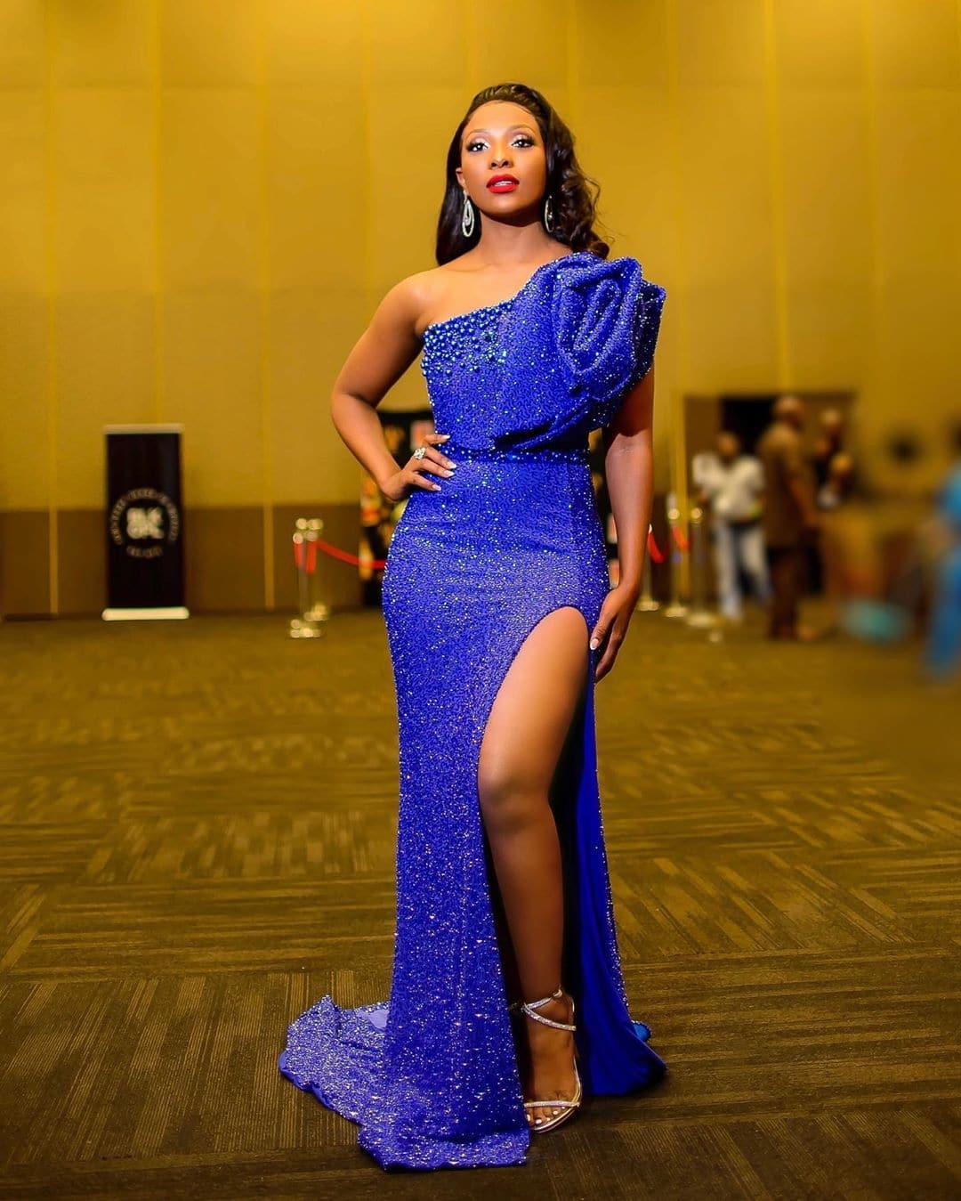 pearl-modiadie-how-to-wear-blue-with-style-pantone-colour-of-the-year-2020