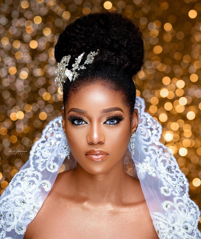 meet-mmeka-ronald-chinedu-ronaldthe7th-the-makeup-artist-beautifying-nigerian-women