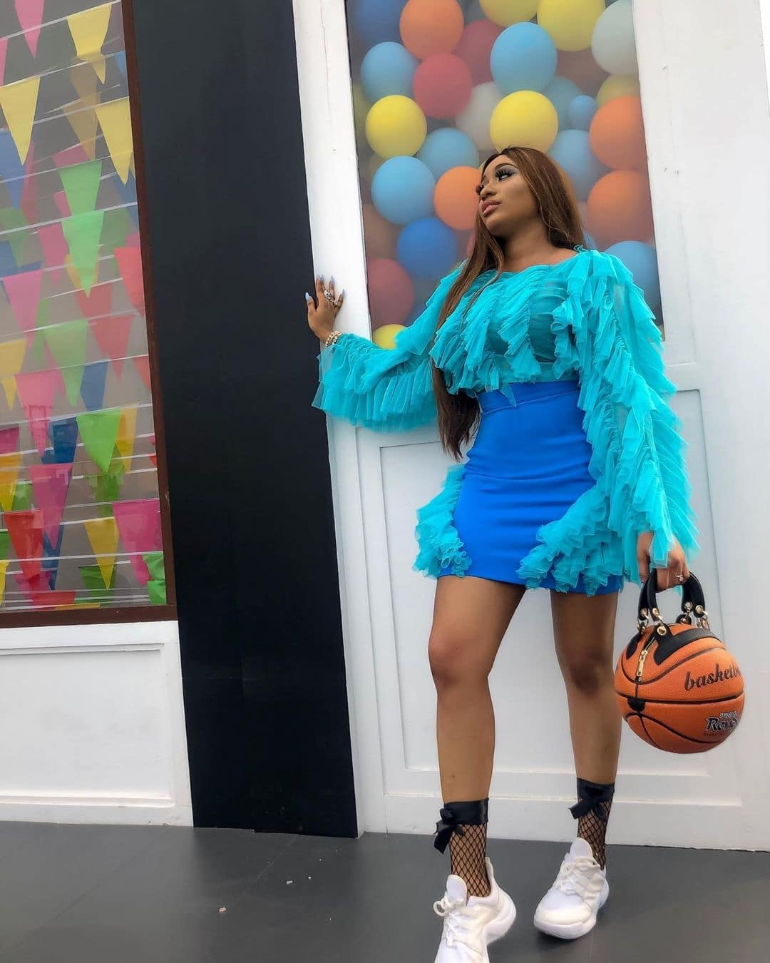 sandra-okunzuwa-how-to-wear-blue-with-style